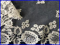 19th C. Victorian handmade English Honiton bobbin lace large square Bridal Veil