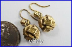 LOVELY LITTLE ANTIQUE VICTORIAN ENGLISH 9K GOLD CUBE KNOT EARRINGS c1880